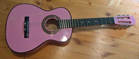 Kindergitarre_rosa